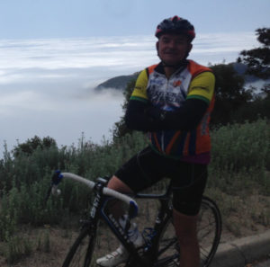 Waldemar Hermina practicando ciclismo