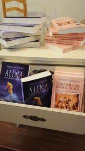 Foto ejemplares Alina y Como alma que lleva el diablo. Editoriales españolas