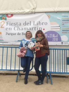 Pilar Lozano y Andrea Fernandez en Feria del libro de Chamartín. Editoriales de España