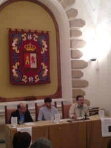 Sánchez-Oro durante la presentación. Editoriales españolas, Adarve