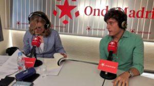 Sergio Dueñas junto a Nieves Herrero. Editorial Adarve de España