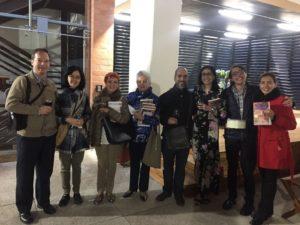 Alejandra Navas junto al público. Editoriales actuales de España, Adarve