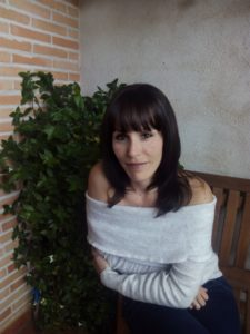 Anna Sar, autora de Destino a Sahorá. Editoriales actuales de España, Adarve