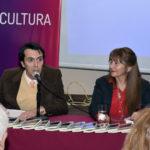 Farias y Rodríguez durante la presentación de la novela En busca de mi otro yo. Editoriales actuales de España, Adarve