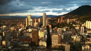 Vista de Bogotá, Colombia. Editoriales actuales de España, Adarve