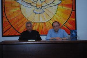 Carlos G. Moreno durante la presentación. Editorial Adarve, Editoriales españolas