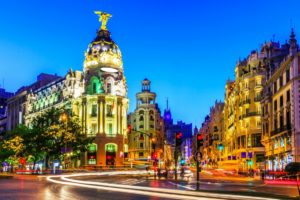 Vista de la calle de Gran vía en Madrid. Editorial Adarve, Editorial Adarve de España, Editoriales de España, Editoriales actuales de España, Editoriales españolas, Editoriales españolas actuale