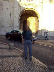 Foto de Francisco Javier Roig autor de la novela Vivir es nuestra mejor revancha. Editorial Adarve, Editorial Adarve de España, Editoriales de España, Editoriales actuales de España, Editoriales españolas, Editoriales españolas actuale