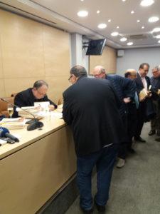 Carles McGragh firmando ejemplares de su novela histórica El anillo de Guadalajara. Editorial Adarve, Editoriales de España