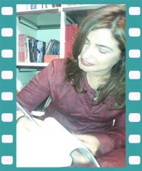 Etxenara Mendicoa firma un ejemplar de La inocencia de las sardinas. Editorial Adarve, Editoriales que aceptan manuscritos