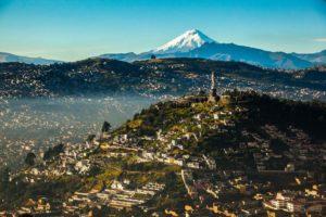 Panorámica de Quito Ecuador. Editorial Adarve, Editoriales españolas actuales