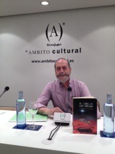 Jesús Almenar en Ámbito Cultural El túnel de las esferas. Editorial Adarve, Editoriales tradicionales de España