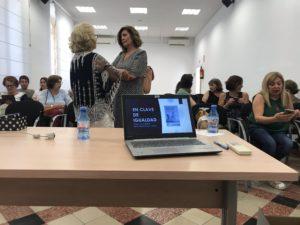 Público asistente a la presentación del libro En clave de igualdad de Álvaro Botias. Editorial adarve, Editoriales de España