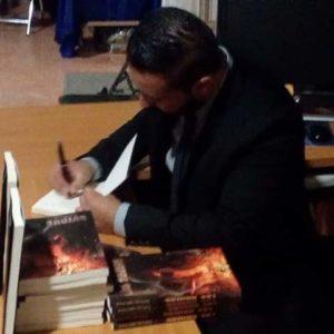 Luis Bravo Las brujas. Editorial Adarve, Editoriales que aceptan manuscritos
