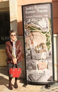 Alicia Paredes. Editorial Adarve, Editoriales de España