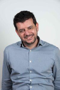 Rodrigo Oyarzún. Editorial Adarve, Editoriales de España