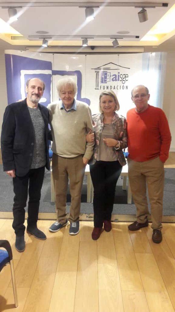 Actores en presentación de Juan Carlos Ordóñez Versos luminosos. Editorial Adarve, Editoriales de España