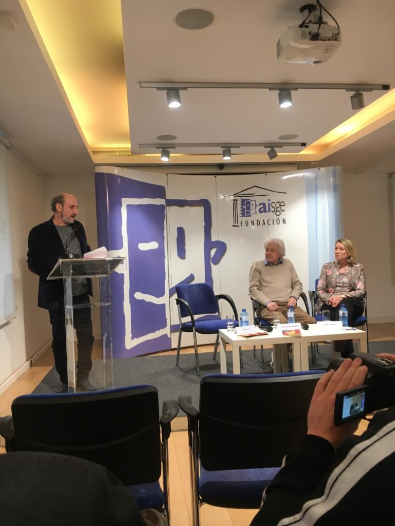 Presentación Juan Carlos Ordóñez Versos luminosos. Editorial Adarve, Editoriales de España