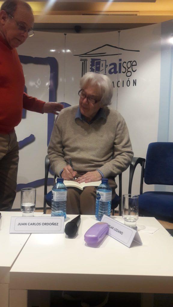 Juan Carlos Ordóñez Versos luminosos. Editorial Adarve, Editoriales que aceptan manuscritos