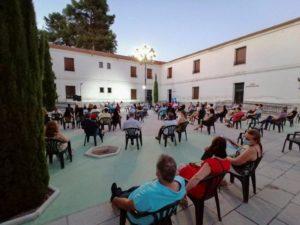 Presentación de jesús A losana en La puebla de montalbán. Editorial Adarve, Editoriales d eEspaña
