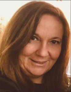 Lydia Masanet autora del libro Enhebradas. Editorial Adarve. Publicar un libro