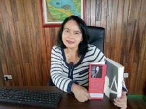 Pilar Cerdas autora de Intruso en el infierno. Editorial Adarve. Publicar un libro