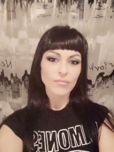 Sandra Dark autora de Cazadores de almas oscuras. Editorial Adarve, publicar un libro