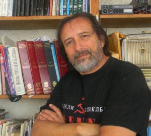 José Manuel Chacón autor de El llamado del relox. Editorial Adarve